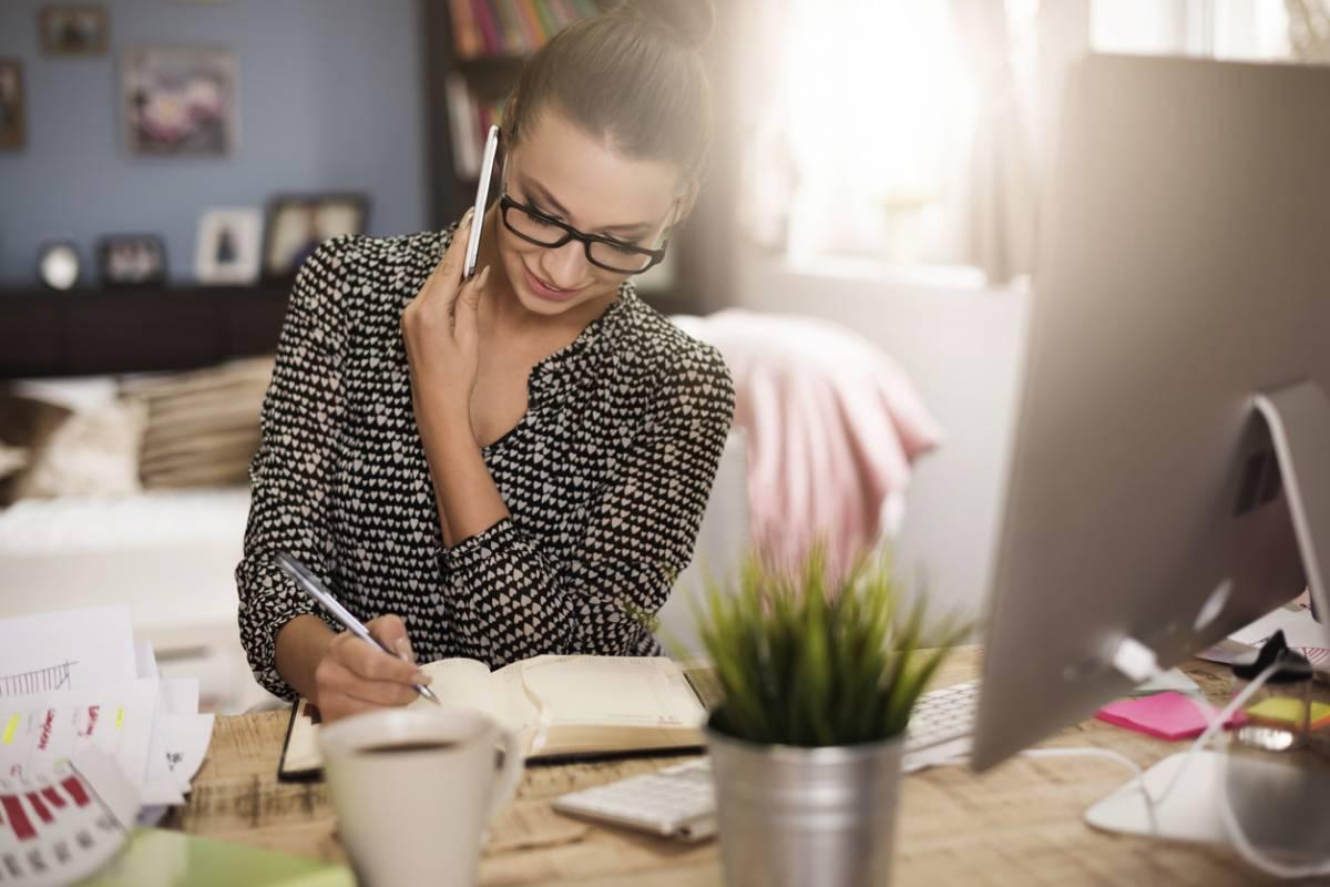 Comment augmenter ses revenus mensuels grâce au travail à domicile ?