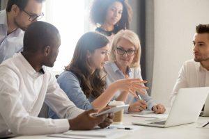 Les enjeux de l'optimisation de l'organisation des équipes pour la distribution spécialisée