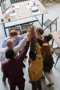 En quoi est-il important de faire un partenariat commercial?