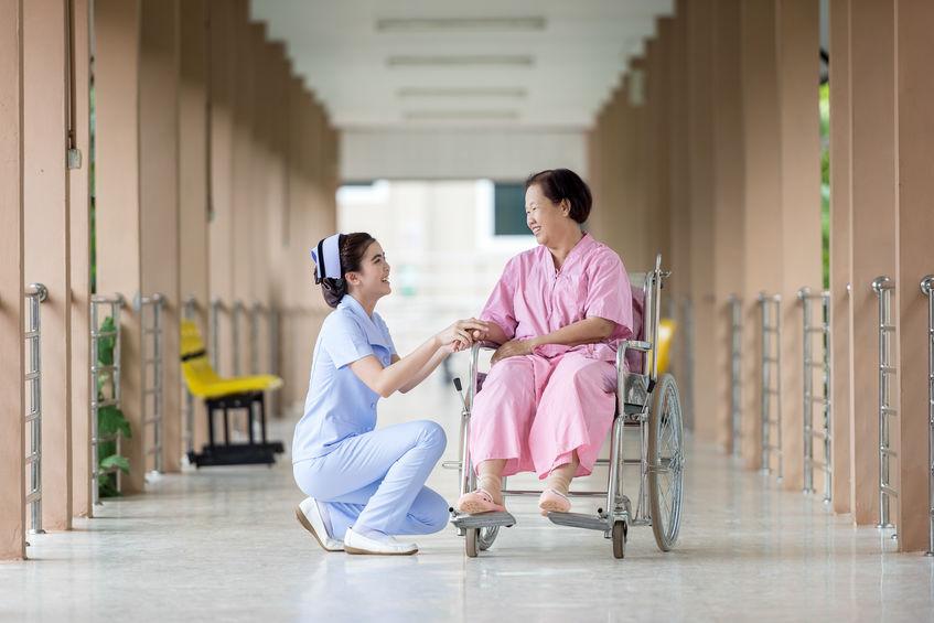 Comment s'assurer de la prise en charge effective d'un senior ?