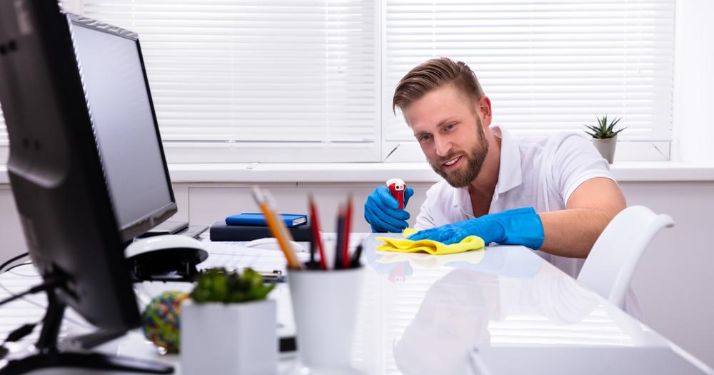 Les méthodes idéales pour garantir la propreté d'un lieu de travail
